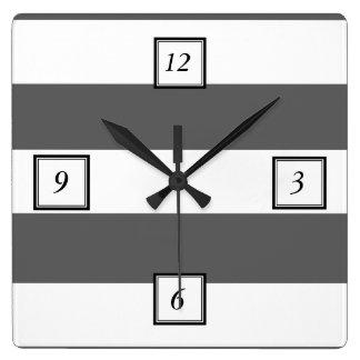 El blanco gris moderno de carbón de leña raya el m reloj cuadrado
