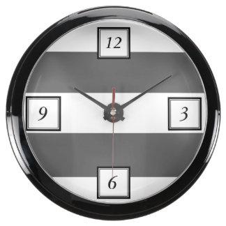 El blanco gris moderno de carbón de leña raya el m relojes acuario