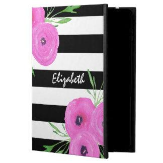El blanco negro raya el ranúnculo rosado floral