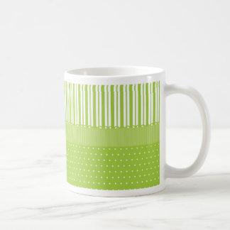 El blanco verde raya lunares con una cinta tazas de café