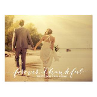 El boda agradecido de la foto le agradece para postal