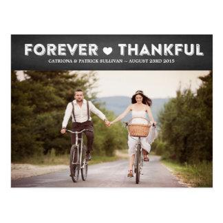 El boda agradecido rústico del país le agradece po postal