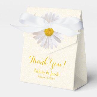 El boda blanco amarillo del cordón de la margarita caja para regalos de fiestas