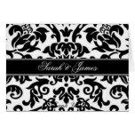 El boda blanco y gris negro del damasco invita tarjeta