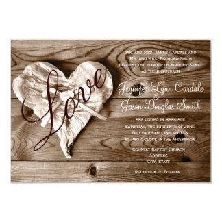 El boda de madera del corazón del amor del granero anuncios personalizados