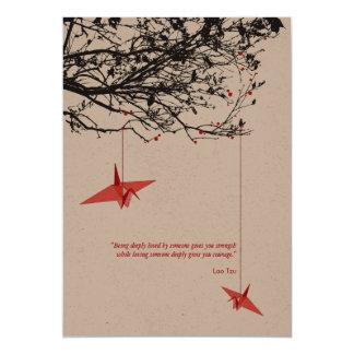"""El boda de papel colgante del árbol de las grúas invitación 5"""" x 7"""""""