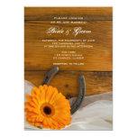 El boda del país de la margarita anaranjada y de invitacion personalizada