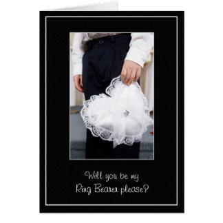 El boda del portador de anillo le agradece o pide tarjeta de felicitación