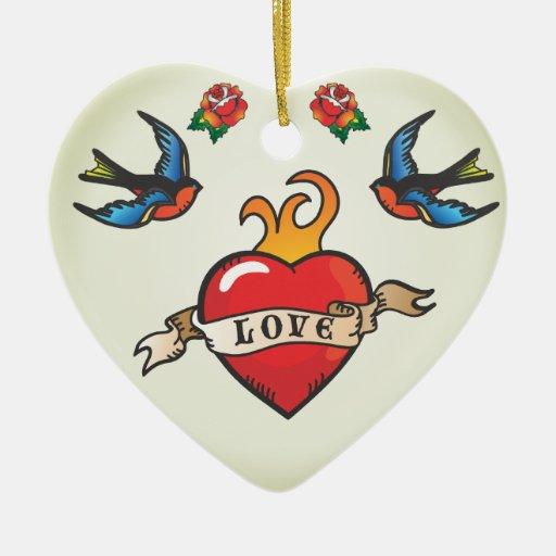 El boda del tatuaje favorece el ornamento adorno navideño de cerámica en forma de corazón