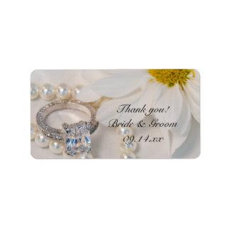 El boda elegante de la margarita blanca le etiquetas de dirección