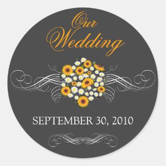 El boda elegante del ramo de la margarita del pegatinas redondas