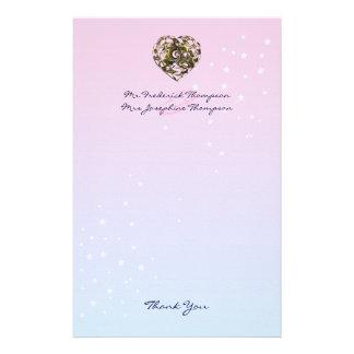 El boda entrelazado del corazón del amor le papelería de diseño