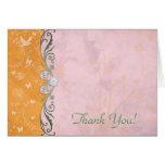 El boda floral anaranjado y rosado le agradece tarjeton