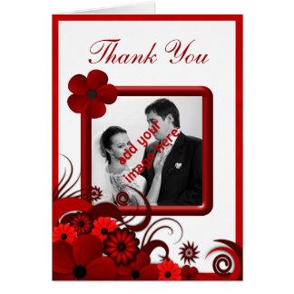 El boda floral blanco rojo le agradece tarjeta de