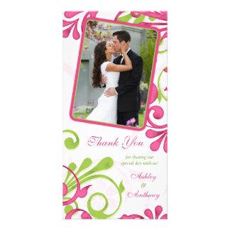 El boda floral rosado, verde, blanco le agradece tarjetas fotográficas