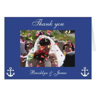 El boda náutico azul le agradece las tarjetas con