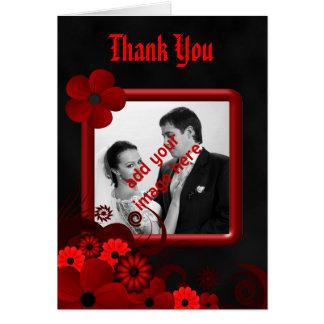El boda negro floral rojo le agradece tarjeta de