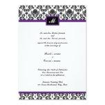 El boda negro y púrpura del monograma del damasco invitacion personalizada
