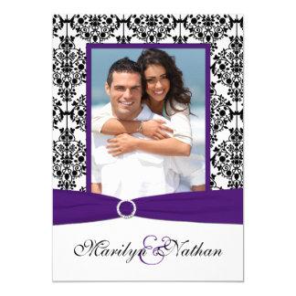 """El boda púrpura, blanco, negro de la foto del invitación 5"""" x 7"""""""