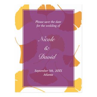 El boda púrpura descendente de las hojas del ginkg tarjetas postales