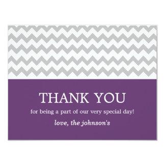 """El boda púrpura y gris de Chevron le agradece las Invitación 4.25"""" X 5.5"""""""