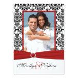 El boda rojo, blanco, y negro de la foto del invitacion personal