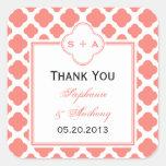 El boda rosado coralino del modelo de Quatrefoil l Colcomanias Cuadradas Personalizadas