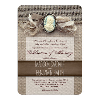 El boda rústico de la arpillera de la broche del invitaciones personales