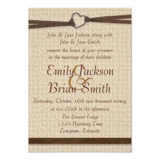 El boda rústico de la cinta del corchete del invitaciones personalizada