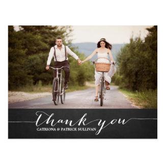 El boda rústico de la escritura blanca le agradece postal
