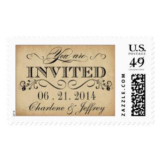 El boda rústico del pergamino del vintage invita a sellos postales