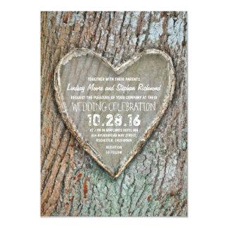 """El boda rústico tallado del árbol del país del invitación 5"""" x 7"""""""