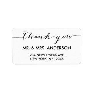 El boda simple de la escritura le agradece etiquetas de dirección