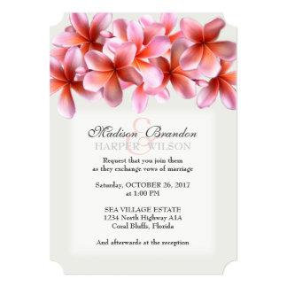 """El boda tropical gris claro del Plumeria rosado Invitación 5"""" X 7"""""""