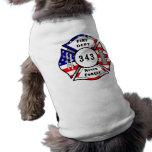 El bombero 9/11 nunca olvida 343 camiseta de perro