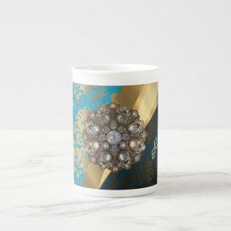 El bonito personalizó el modelo femenino del taza de porcelana