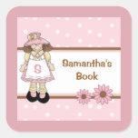 El Bookplate personalizado del niño rosado del lun Calcomanías Cuadradass Personalizadas