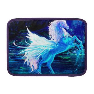 El bosque del unicornio protagoniza el azul de funda macbook air