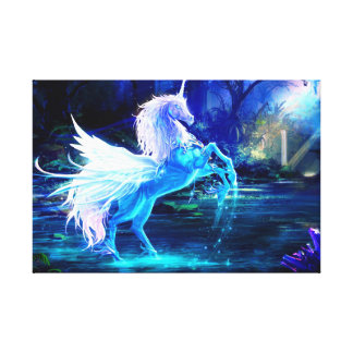 El bosque del unicornio protagoniza el azul de lona envuelta para galerias