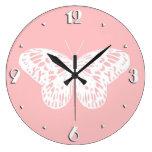 El bosquejo de la mariposa, descasca rosa y blanco reloj redondo grande
