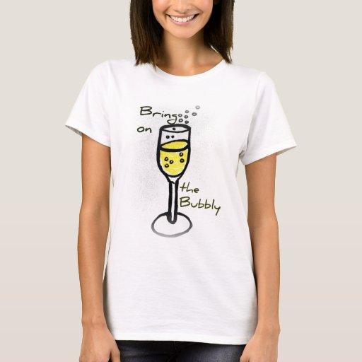 el bosquejo del champán trae en el burbujeante playera