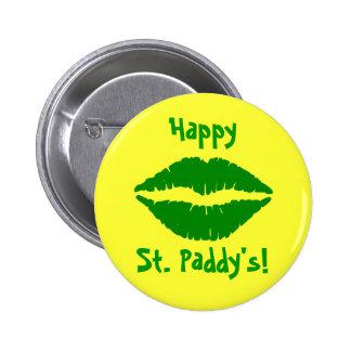 El botón de St Patrick verde del beso Pins