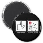 El botón, recibe el tocino - dispensador del tocin iman de frigorífico