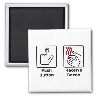 El botón recibe el tocino imán para frigorifico