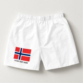 El boxeador noruego de la bandera pone en calzoncillos