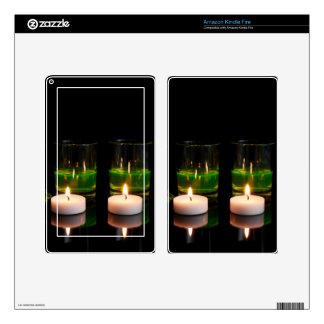El brillar intensamente de cristal con las velas skins para kindle fire