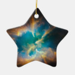 El brillar intensamente de la nebulosa planetaria adorno