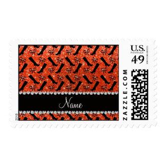 El brillo anaranjado de neón conocido timbres postales