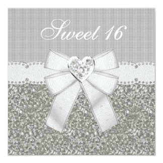 """El brillo del dulce 16 y el corazón de plata de la invitación 5.25"""" x 5.25"""""""
