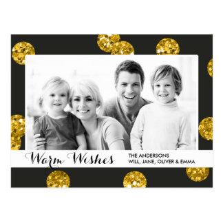 El brillo del oro puntea el saludo del día de tarjeta postal